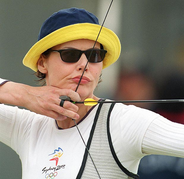Geena Davis competing in the 2000 Summer Olympics in Syndey.