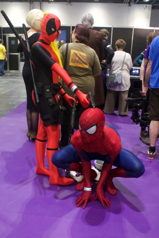femme!Deadpool and Spiderman