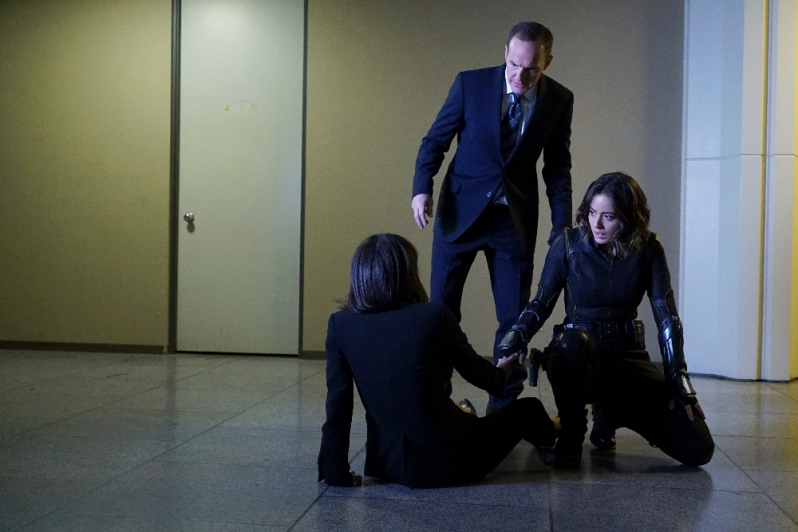 "MARVEL'S AGENTS OF S.H.I.E.L.D. - ""Chaos Theory"" - As Daisy and the team fight to protect Inhumans, S.H.I.E.L.D. discovers the shocking truth about one of their biggest foes. Meanwhile, Fitz helps Simmons recover information that could lead them back through the portal, on ""Marvel's Agents of S.H.I.E.L.D.,"" TUESDAY, NOVEMBER 10 (9:00-10:00 p.m., ET) on the ABC Television Network. (ABC/Eric McCandless) CONSTANCE ZIMMER, CLARK GREGG, CHLOE BENNET"