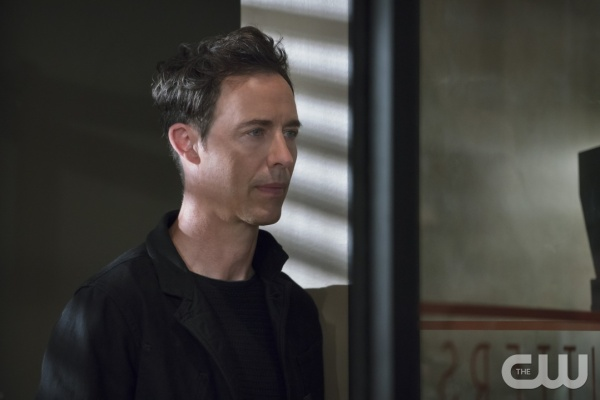 "The Flash -- ""The Darkness and the Light"" -- Image FLA205A_0285b.jpg -- Pictured: Tom Cavanagh as Harrison Wells -- Photo: Katie Yu/The CW -- © 2015 The CW Network, LLC. All rights reserved."