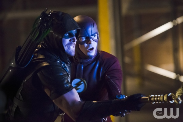 "Arrow -- ""Legends of Yesterday"" -- Image AR408B_0392b.jpg --  Pictured (L-R): Stephen Amell as The Arrow and Grant Gustin as The Flash -- Photo: Katie Yu/ The CW -- © 2015 The CW Network, LLC. All Rights Reserved."