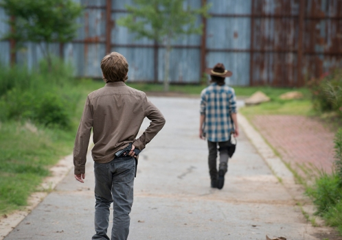 the-walking-dead-episode-607-carl-riggs-2-935