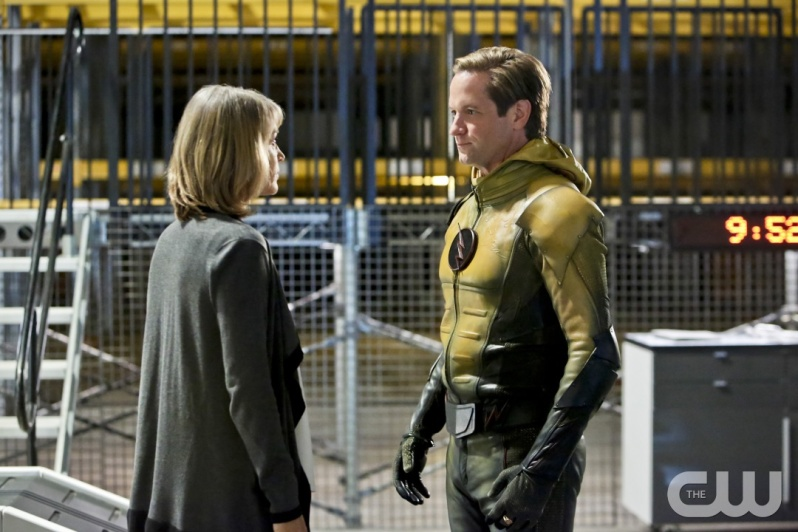 "The Flash -- ""The Reverse Flash Returns"" -- Image FLA211b_0028b -- Pictured (L-R): Amanda Pays as Christina McGee and Matthew Letscher as Eobard Thawne/Reverse Flash -- Photo: Bettina Strauss/The CW -- © 2016 The CW Network, LLC. All rights reserved."