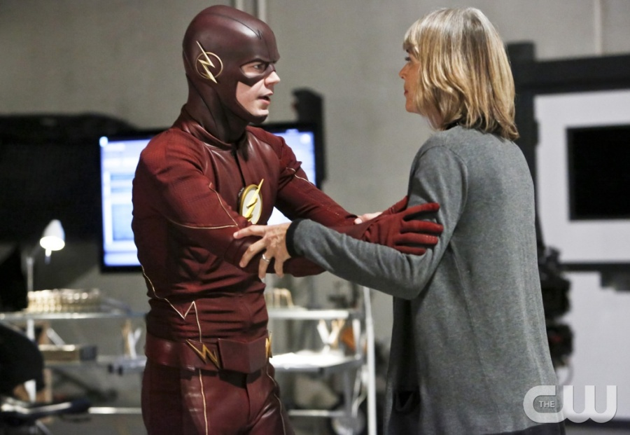"The Flash -- ""The Reverse Flash Returns"" -- Image FLA211b_0066b -- Pictured (L-R): Grant Gustin as The Flash and Amanda Pays as Christina McGee -- Photo: Bettina Strauss/The CW -- © 2016 The CW Network, LLC. All rights reserved."