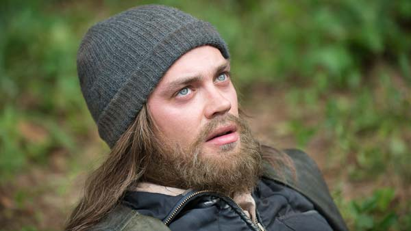 1456169028-walking-dead-jesus-tom-payne