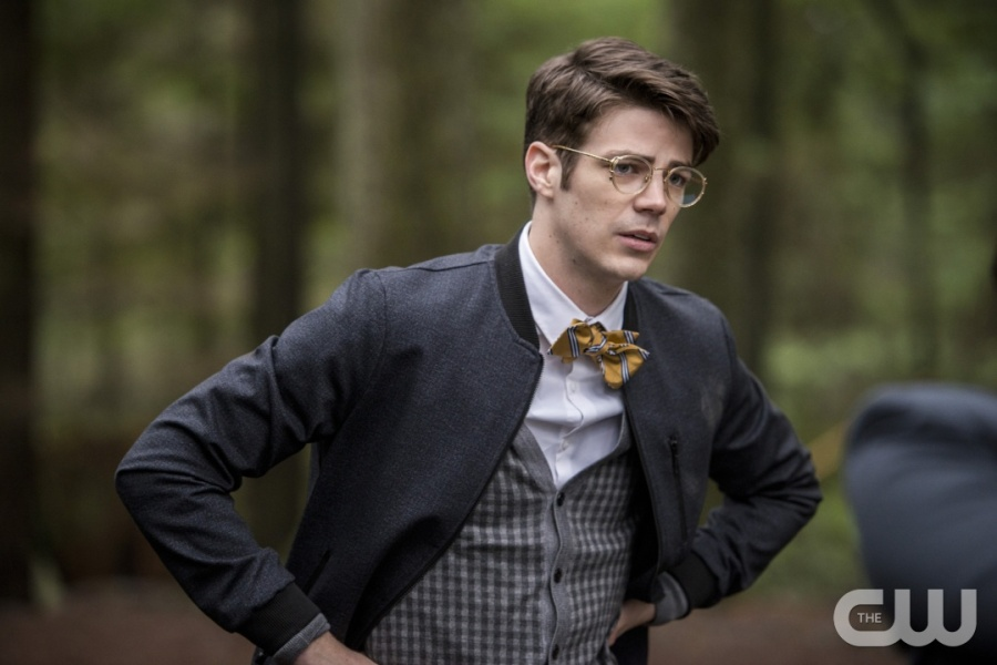 """The Flash -- """"Escape From Earth-2"""" -- Image FLA214b_0113b -- Pictured: Grant Gustin as Earth 2 Barry Allen -- Photo: Bettina Strauss/The CW -- © 2016 The CW Network, LLC. All rights reserved."""