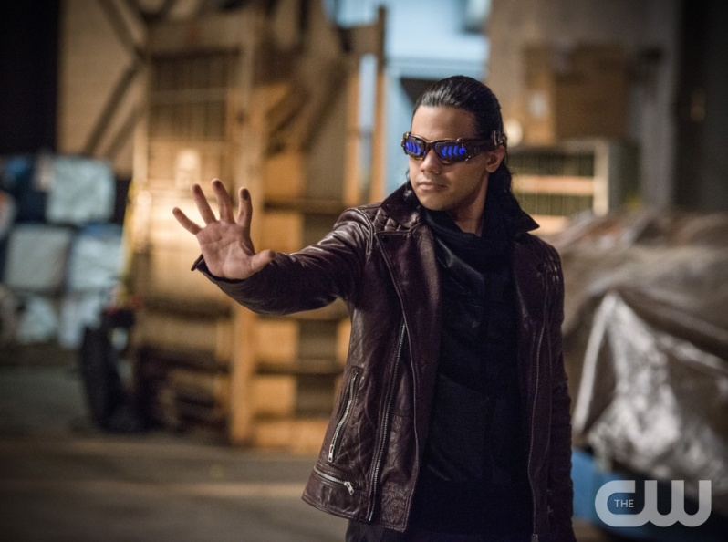"The Flash -- ""Welcome to Earth-2"" -- Image FLA213a_0200b -- Pictured: Carlos Valdes as Reverb -- Photo: Diyah Pera/The CW -- © 2016 The CW Network, LLC. All rights reserved."