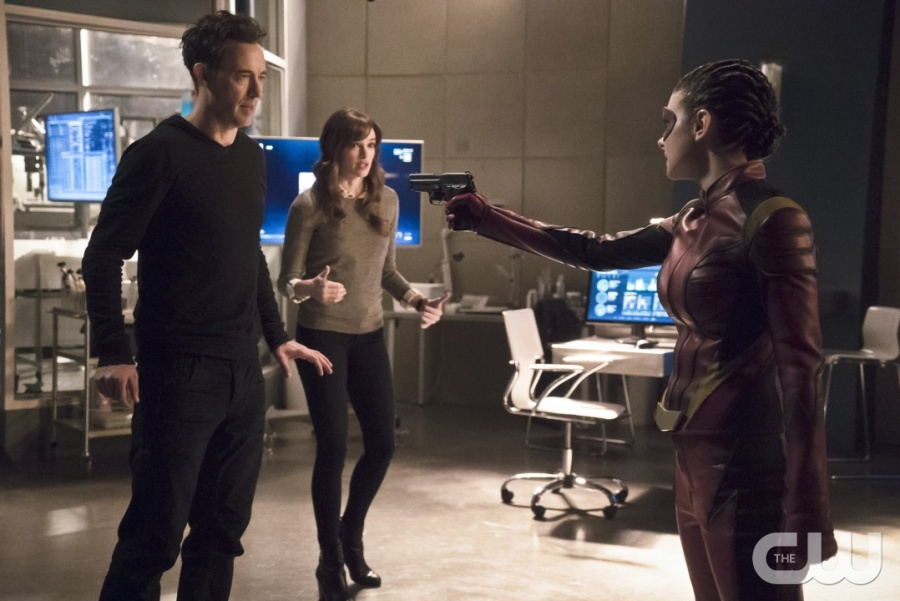 """The Flash -- """"Trajectory"""" -- Image FLA216b_0109b -- Pictured (L-R): Tom Cavanagh as Harrison Wells, Danielle Panabaker as Caitlin Snow, and Allison Paige as Trajectory -- Photo: Katie Yu/The CW -- © 2016 The CW Network, LLC. All rights reserved."""