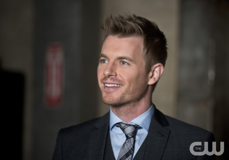 "The Flash -- ""Flash Back"" -- Image: FLA217a_0119b.jpg -- Pictured: Rick Cosnett as Detective Eddie Thawne -- Photo: Diyah Pera/The CW -- © 2016 The CW Network, LLC. All rights reserved."