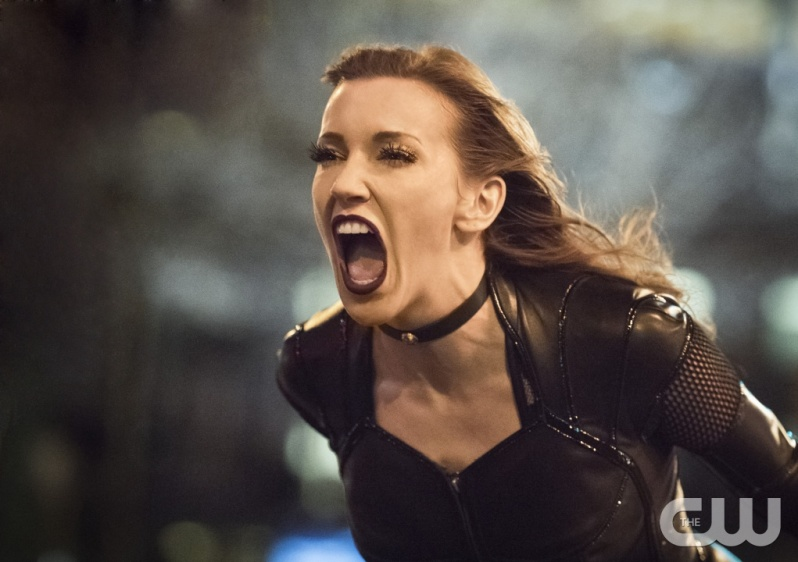 "The Flash -- ""Invincible"" -- Image: FLA222a_0538b2.jpg -- Pictured: Katie Cassidy as Black Siren -- Photo: Dean Buscher/The CW -- © 2016 The CW Network, LLC. All rights reserved."