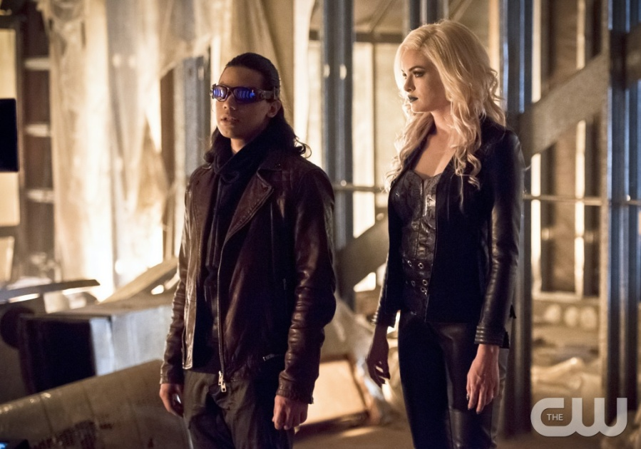 "The Flash -- ""Invincible"" -- Image: FLA222a_0006b.jpg -- Pictured (L-R): Carlos Valdes as Reverb and Danielle Panabaker as Killer Frost -- Photo: Dean Buscher/The CW -- © 2016 The CW Network, LLC. All rights reserved."