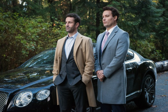 """Supernatural --""""First Blood""""-- SN1209b_0077.jpg -- Pictured (L-R): Adam Fergus as Mick Davies and David Haydn-Jones as Mr. Ketch -- Photo: Dean Buscher/The CW -- © 2016 The CW Network, LLC. All Rights Reserved"""