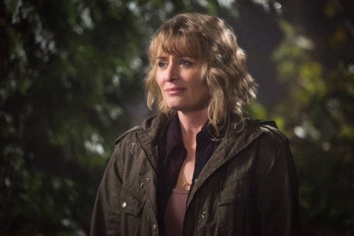 """Supernatural --""""First Blood""""-- SN1209b_0252.jpg -- Pictured: Samantha Smith as Mary Winchester -- Photo: Dean Buscher/The CW -- © 2016 The CW Network, LLC. All Rights Reserved"""