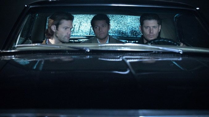 "Supernatural --""Stuck in the Middle (With You)""-- SN1212b_0343.jpg -- Pictured (L-R): Jared Padalecki as Sam, Misha Collins as Castiel and Jensen Ackles as Dean -- Photo: Jack Rowand/The CW -- © 2017 The CW Network, LLC. All Rights Reserved"